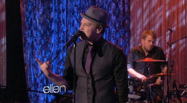 """Gavin DeGraw Performs """"Not Over You"""" on <i>The Ellen DeGeneresShow</i>"""