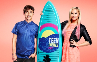 'Glee's' Kevin McHale Excited to Co-Host Teen Choice2012
