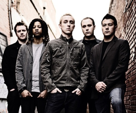 "Music Video >> Yellowcard feat.Tay Jardine – ""Here I Am Alive"""