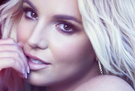 "Music Video >> Britney Spears – ""Perfume"""