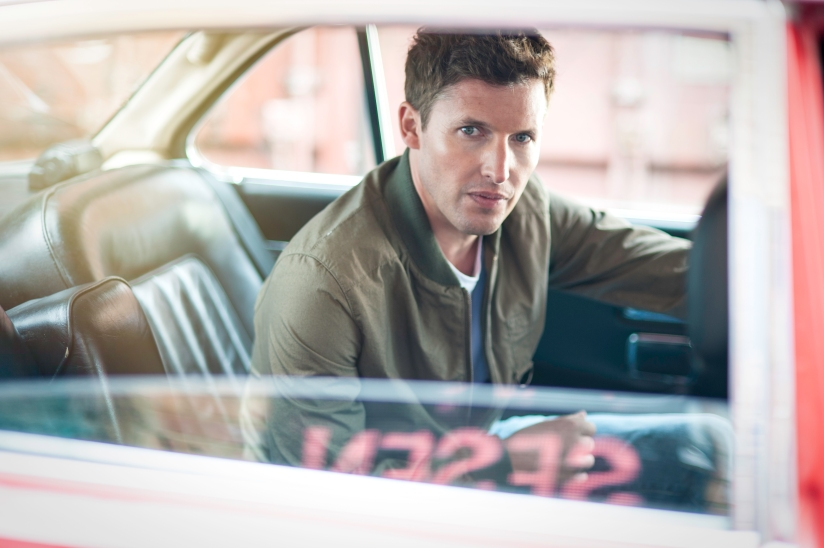 James Blunt journeys back to the start on 'Moon Landing'